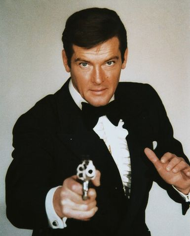 roger-moore-james-bond-c10102569