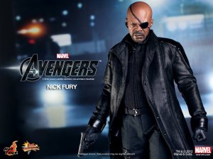 hot-toys-nick-fury-avengers-8