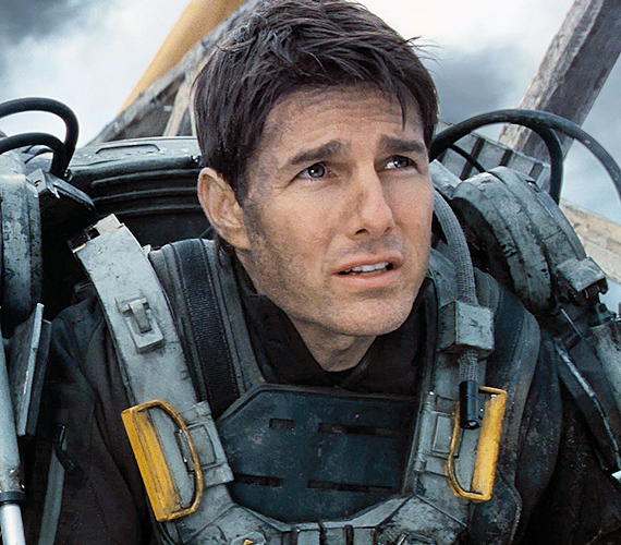 Emily-Blunt-and-Tom-Cruise-star-in-Edge-of-Tomorrow